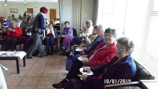 Louis Dubb residents spending time with Huis Genot s residents