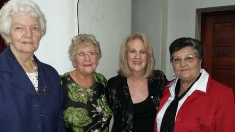 Residents together with Cathy Viljoen